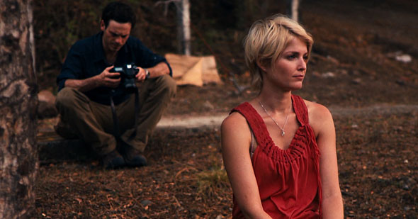 Scoot McNairy and Whitney Able in Monsters